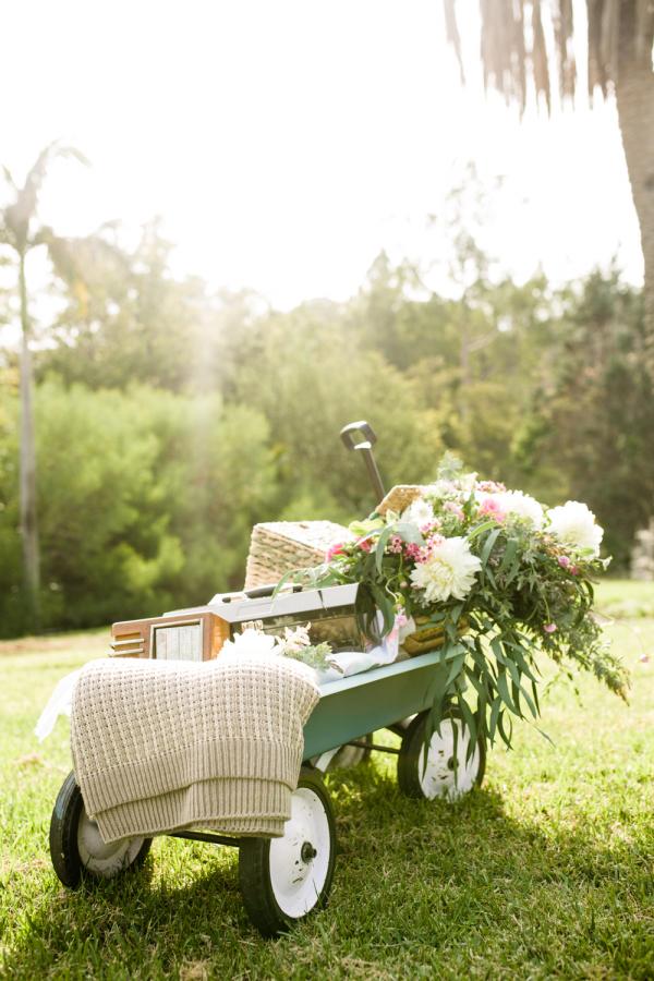florales picknick in der idylle toll was blumen machen. Black Bedroom Furniture Sets. Home Design Ideas